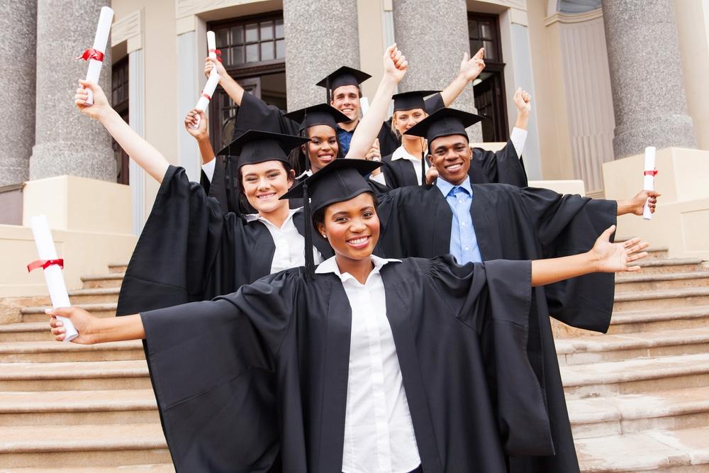 shutterstock_graduates on steps